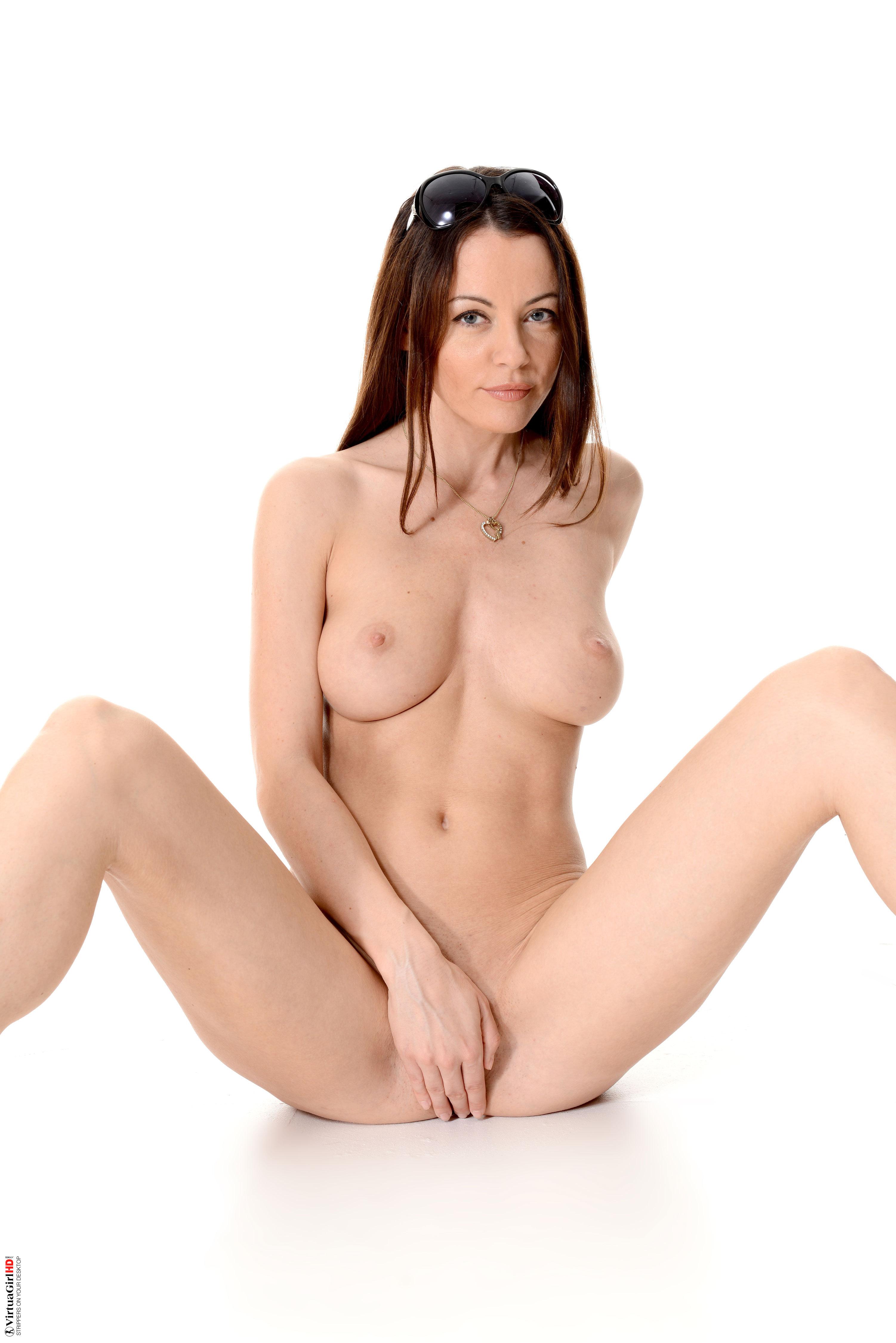 sexy girl boobs wallpaper
