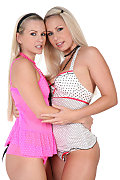 Sandy & Celina Duo istripper model