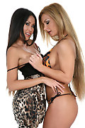 Davon Kim & Dorothy Black Duo istripper model