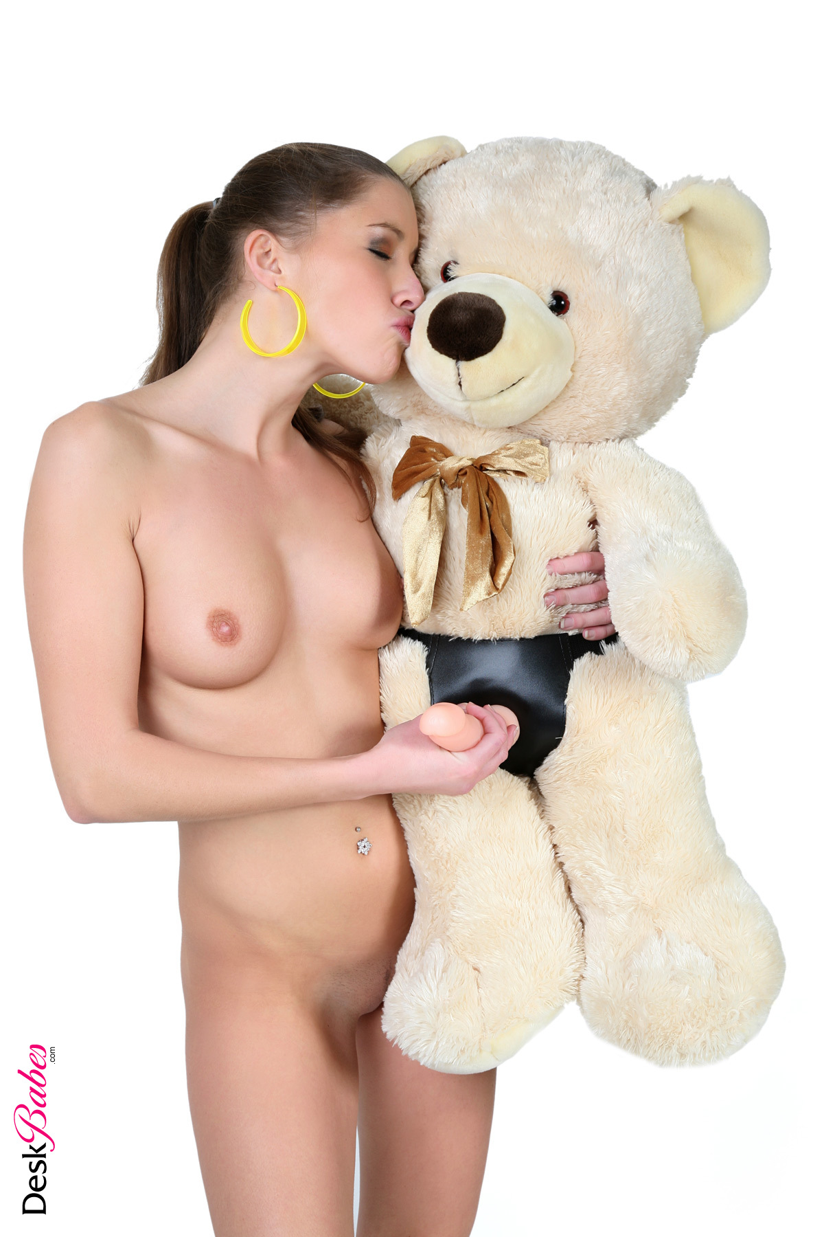 Фото девушек и сексуальных игрушек