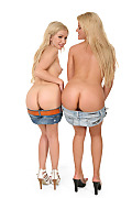 Zorah White & Sasha Rose Duo istripper model