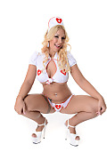 Kyra Hot Trauma Room  istripper model