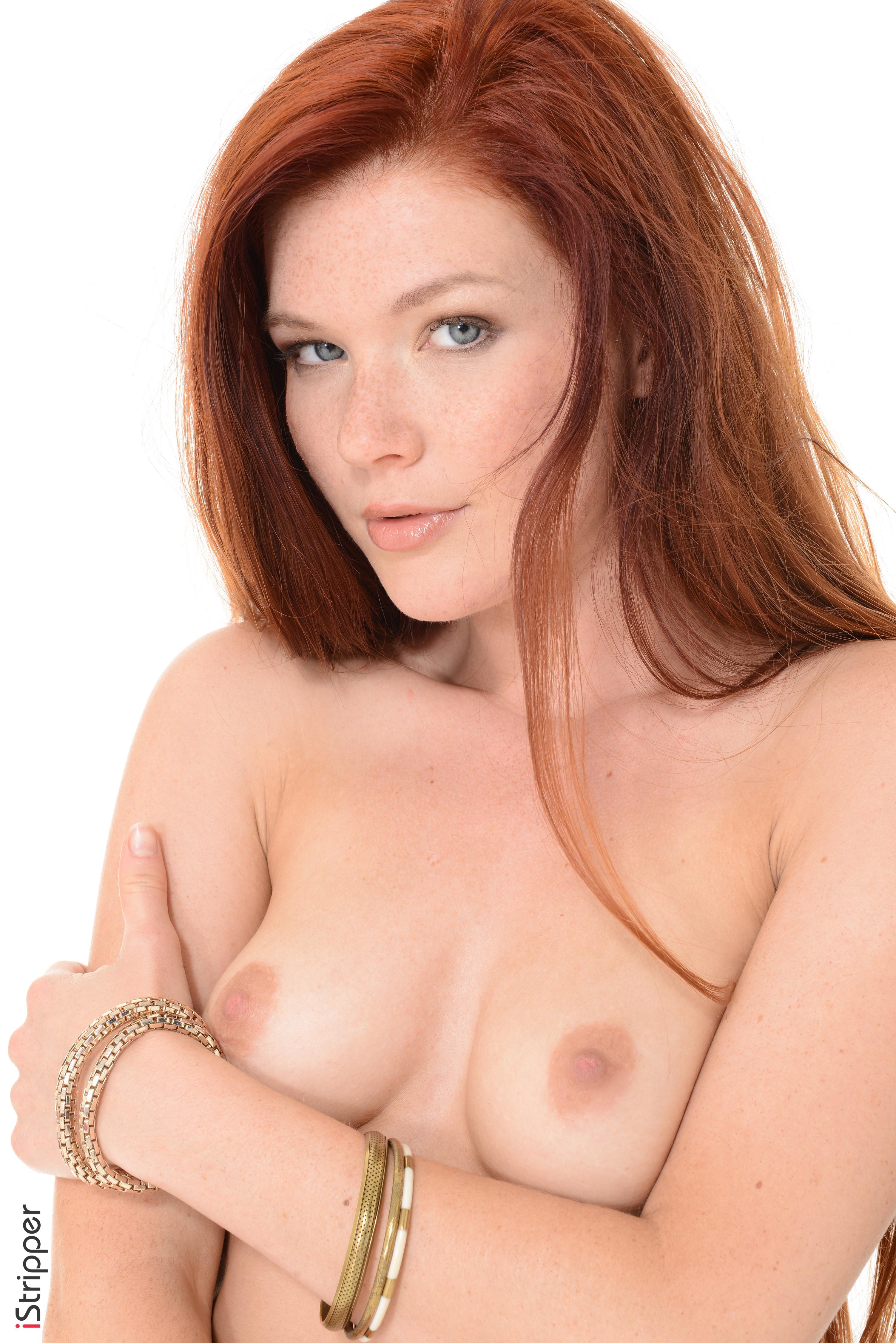 kayla collins boobs
