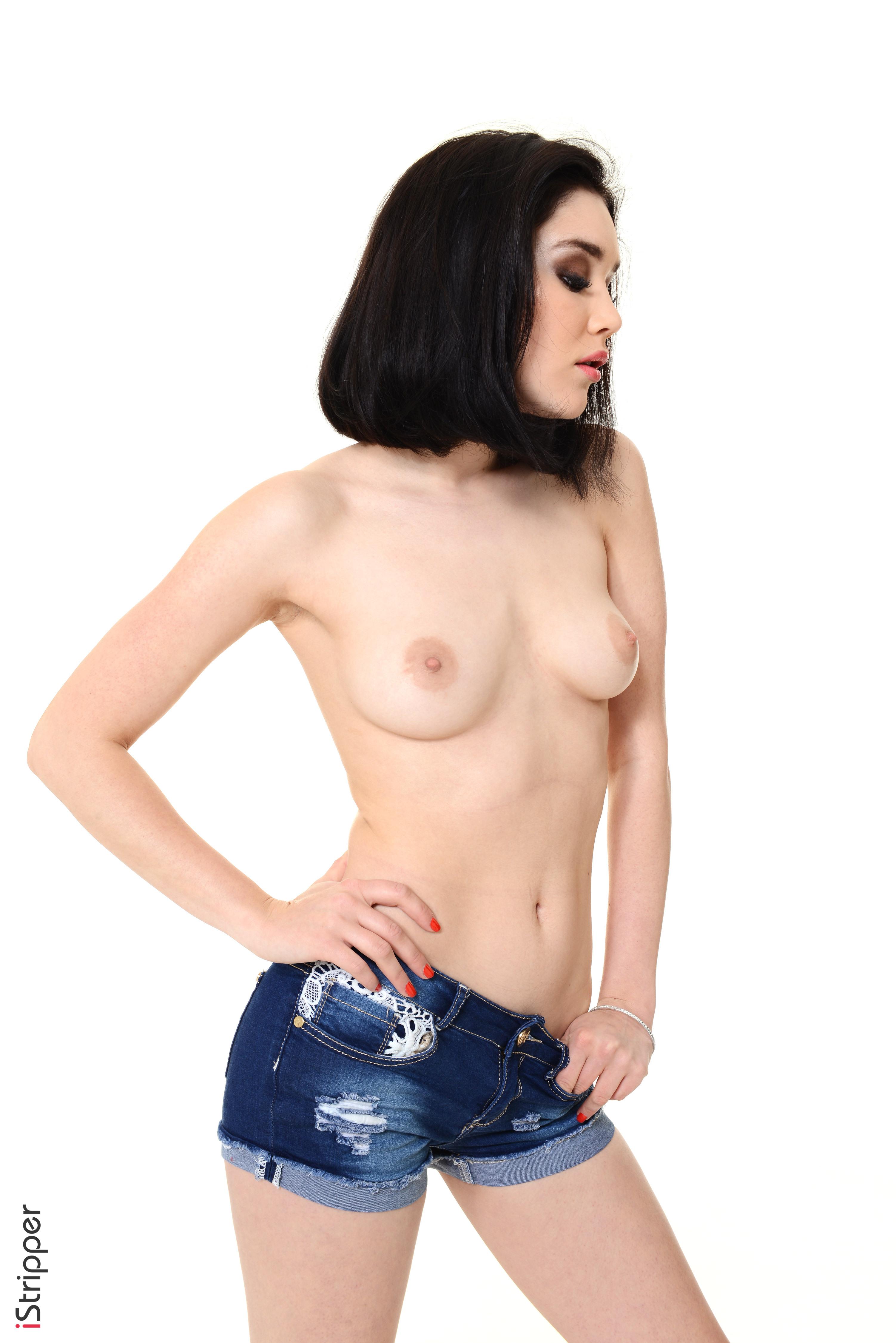 free erotic nude women